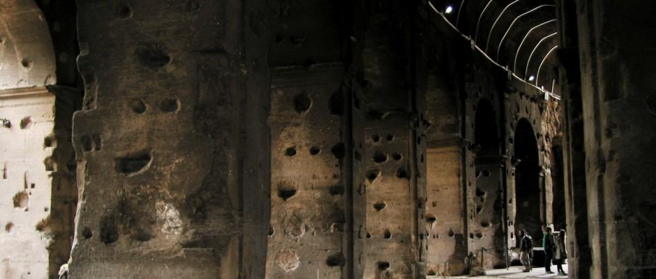Colosseo -  interno